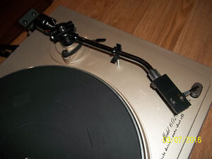 Belt Drive Marantz 6025 Turntable Kitchener / Waterloo Kitchener Area image 4
