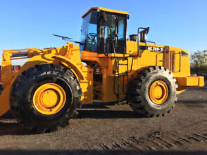 Wheel Loader with 26' Snow Pusher Blade