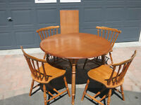 Classic Maple Dining Table and Chairs