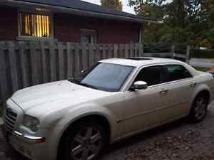 2005 Chrysler 300C  *AS IS* with winter tires