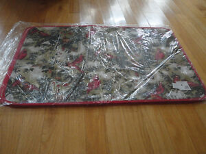 Holiday theme decorative rubber backed floor mat Brand new London Ontario image 2