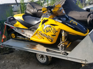 AWESOME  SLED FOR SALE!! MZX X 800