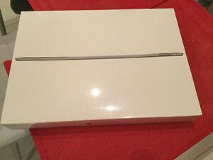 iPad Pro 12,9pouces,128gig wifi neuf-scelle - 1050$