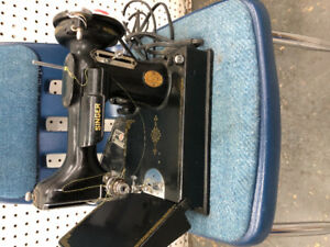Singer Feather Weight Rare Sewing Machine