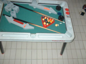 FISHER PRICE MULTI GAMES TABLE