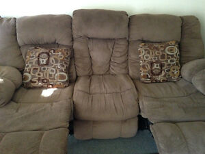 Large Ashley furniture reclining SECTIONAL for sale Sarnia Sarnia Area image 3
