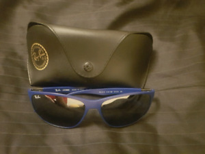 Blue Male Raybans Sunglasses