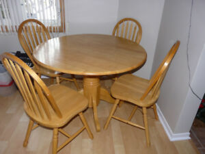 Drop-leaf Pedestal Round Table with 4 chairs - $300 cash only