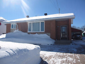 Beautiful Bungalow Home in Smooth Rock Falls