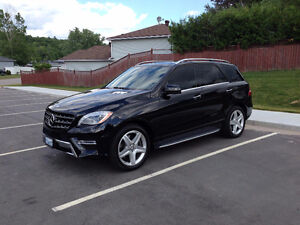2011 Mercedes-Benz M-Class ML550 AMG SUV, Crossover