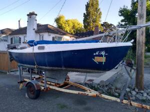 18' Davidson Sail Boat