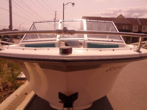 Wilker Boat 1982 with Evinrude 110HP outboard motor