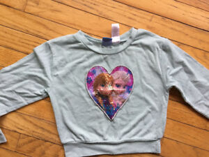 Girl6/6x frozen sweater. Great shape $1  see other ads