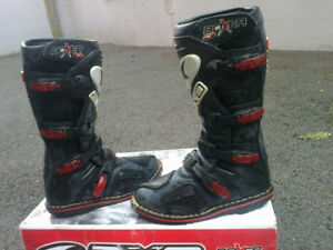 MOTOCROSS BOOTS AXO    FITS MENS SIZE 11-12
