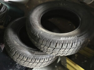 Artic Claw   - 2  Winter tires - 245/70/17