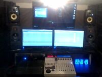 KRK VXT 6 (PAIR) 4 MONTHS OLD - NOT A MARK IN PRISTINE CONDITION