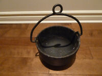 Cast-iron black Kettle / pot by Bell System.
