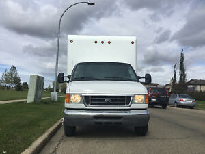 2007 Ford F450 CUBE VAN 16 FEET FOR SALE.