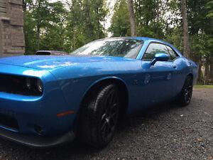 2016 Challenger 392 Scat Pack Shaker / B5 Blue 485 hp
