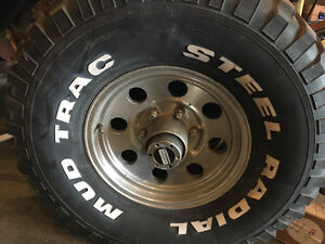 """33"""" mud tires with rims"""