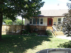 3 bedroom/central location w/parking/Aug.Sept/upstairs duplex