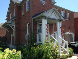 4 bedroom house in scarborough for rent