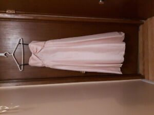 GRAD DRESS SIZE 16 LIGHT PINK WITH BACKLESS BOWS
