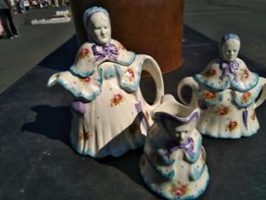 Vintage Old Lady Tea Set