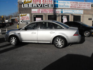 2008 TAURUS ALL WHEEL DRIVE  LOADED  NO ACCIDENTS  LOW KMS