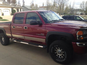 2004 GMC Sierra 2500 red Pickup Truck