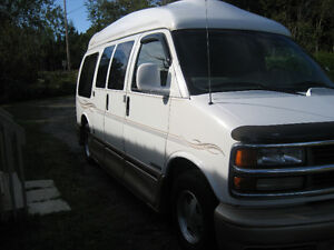 1998 chev travel van with 2002 Flagstaff 23ft travel trailer