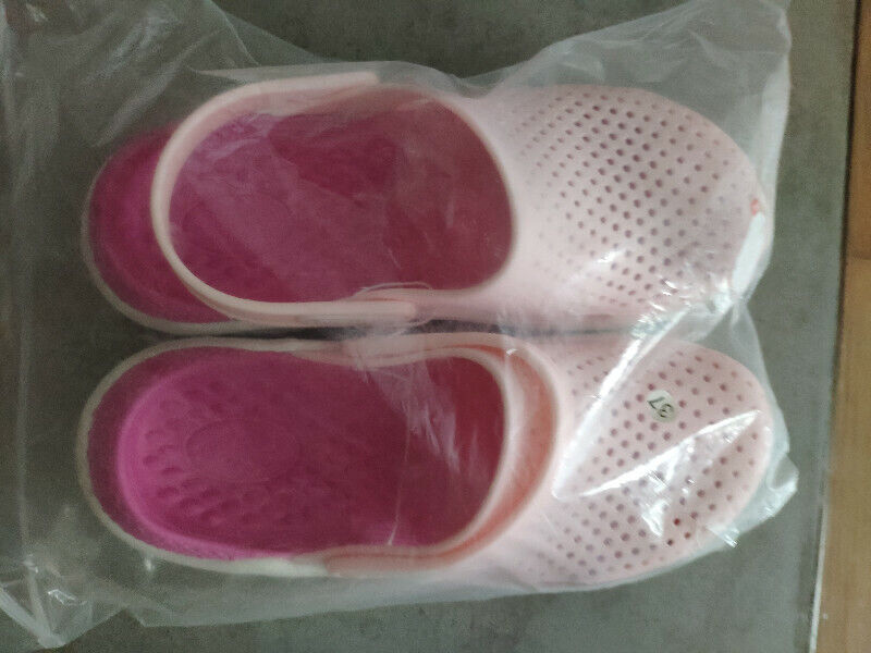 Pink sandals (size: 37) NEW for sale