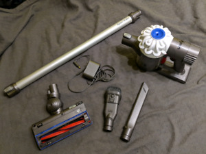 Dyson V6 Slim cordless vacuum in good condition with accessories