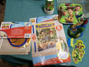Toy Story Party decorations and cake toy