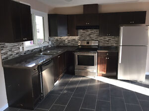 Best Landlord! 3 Bdrm Main Level Hse in Millwoods - Avail Now!