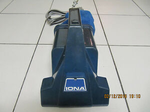 Classic IONA Dirt Raider Model DR100 portable vacuum Circa 1985