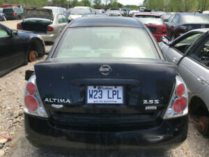 2006 Nissan Altima ** FOR PARTS ** INSIDE & OUTSIDE **