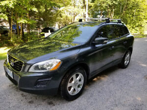 Awesome SUV A Must See Car- Volvo XC-60 AWD
