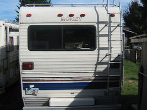 Motor Home Campbell River Comox Valley Area image 2