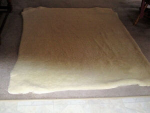 QUEEN SIZE SHEEP WOOL BED COVER