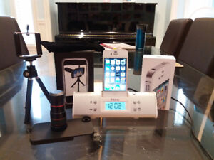 iPhone 4s unlock 16G + Docking Speakers + Zoom lens Tripod Case