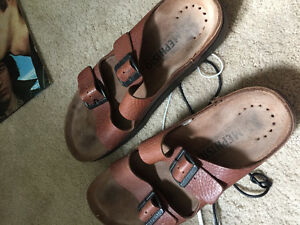 Rich Brown leather mephisto sandals never worn