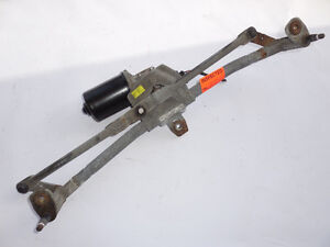 VW Jetta 1999-2006 Windshield Wiper Linkage w/Motor 1J1955023F