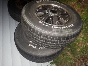 2 mags GMC avec pneu d'été 235/70 R15