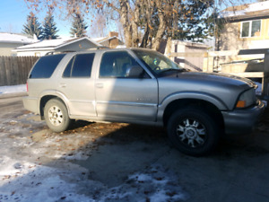 2000 GMC Envoy 4x4, leather and heated seats