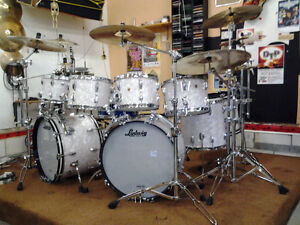 Mint 1967-68 Ludwig drums