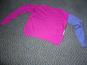 Ladies Size M/M *****Kenneth Cole Reaction Lightweight Sweater Kingston Kingston Area image 2
