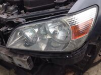 Lexus is200 headlight head light lamp passenger near side 98-05 breaking spares can post is 200