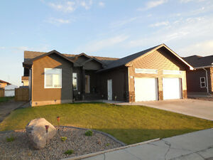 House for Sale in Humboldt SK near golf course!!