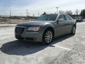 2011 Chrysler 300-Series C*HEMI ENGINE*2 SETS OF ORIGINAL RIMS*
